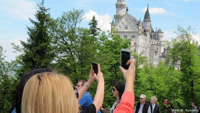 Deutschland Tourismus Schloss Neuschwanstein Touristen