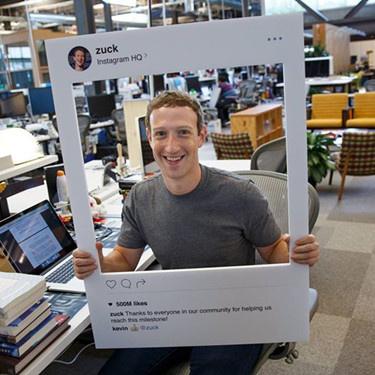 扎克伯格的电脑为啥用胶带遮摄像头?