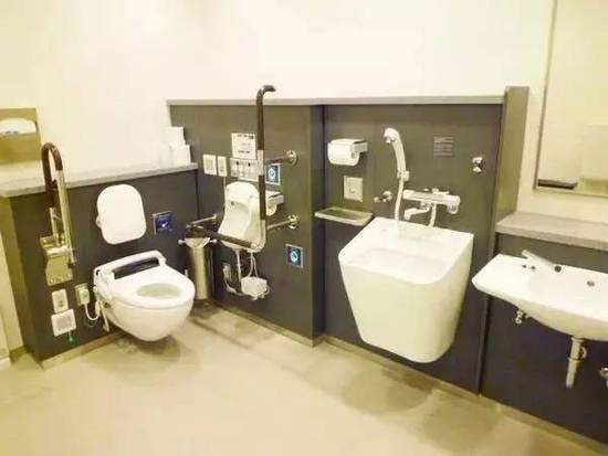 中国大妈靠打扫卫生被评为日本