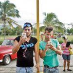 古巴人上网难 为用wifi一小时 宁愿几周不喝牛奶