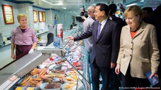默克尔带3名保镖去超市买了啥?