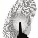 日本专家:摆V字手势拍照很危险 可能被盗指纹