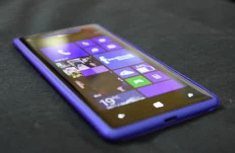 微软关闭手机业务,科技巨头做手机为何不如美图们?