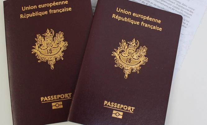 french-passport.jpg