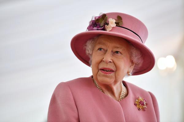 但他们仍然要纳税——关于皇室的迷人事实——这是美好的