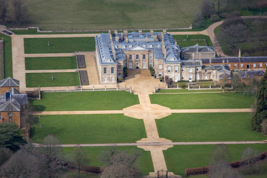 戴安娜在女王的庄园长大 - 关于皇室的迷人事实 - 这是美好的