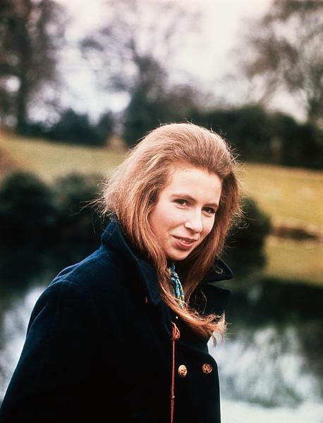 安妮公主是自亨利八世以来第一位再婚的皇室成员 - 关于皇室的迷人事实 - 这是玫瑰色