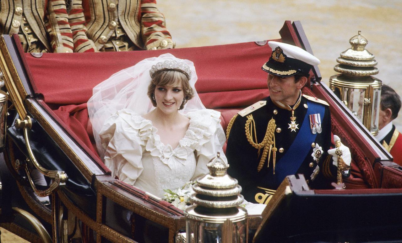 戴安娜是自 1660 年以来第一位嫁给皇室的英国公民 - 关于皇室的迷人事实 - 这是美好的