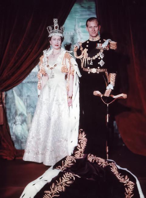 英国女王伊丽莎白二世成为女王时才 25 岁 - 关于皇室的迷人事实 - 这是玫瑰色
