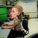 希拉里藏在她家地下室的服务器,长什么鬼样子?